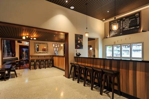 Pirate Bar | Friendly Local to Mt Hawthorn & Joondanna